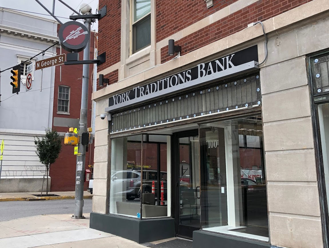 york traditions bank in downtown york