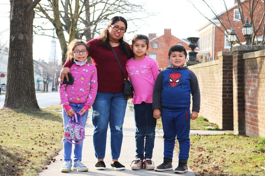 Photo of Anayancy Gutierrez and her family